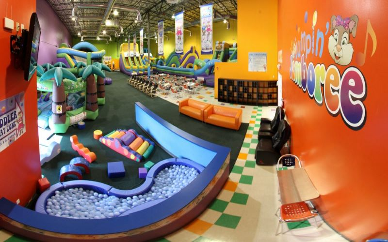 Jumpin 39 jamboree miami 39 s largest indoor kids play place in fl for Indoor party places for kids