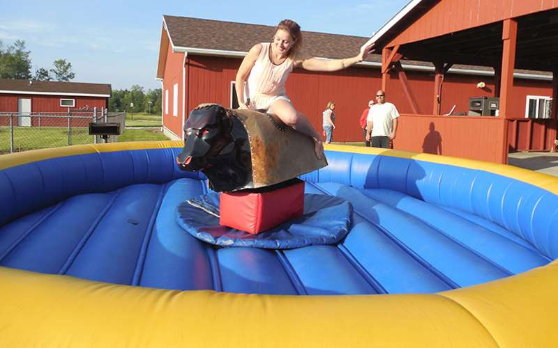 Pig Belly Entertainment Inflatable Rental Companies In Erie County NY