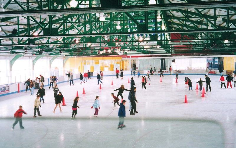 Sky Rink at Chelsea Piers Children's Ice-Skating Parties ...