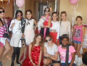 Dashing Divas Mobile Fashion Model Parties in Miami-Dade County Florida