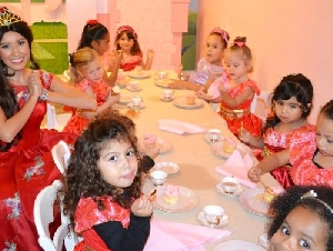 Le Petite Princesse Spa & Tea Parlour tea parties in Orange County California