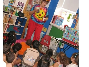 Miss Bonnie the Magic Lady Magicians For Childrens Parties In Florida