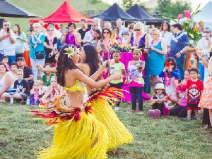 The Dancing Fire in California for Hawaiian Luau Parties